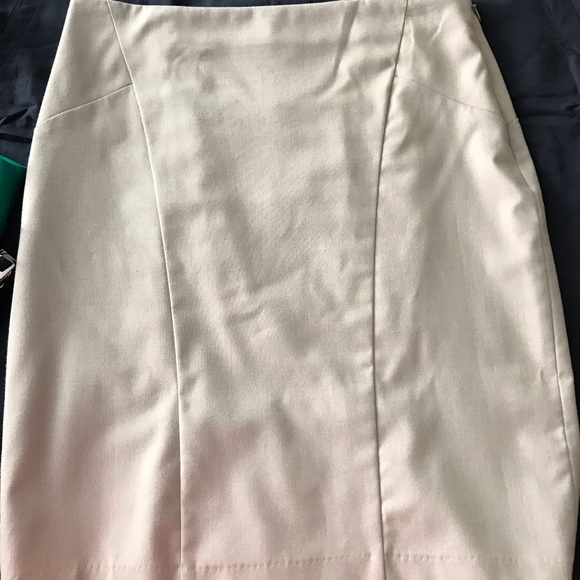 The Limited Dresses & Skirts - The Limited Casual Skirt Size 4